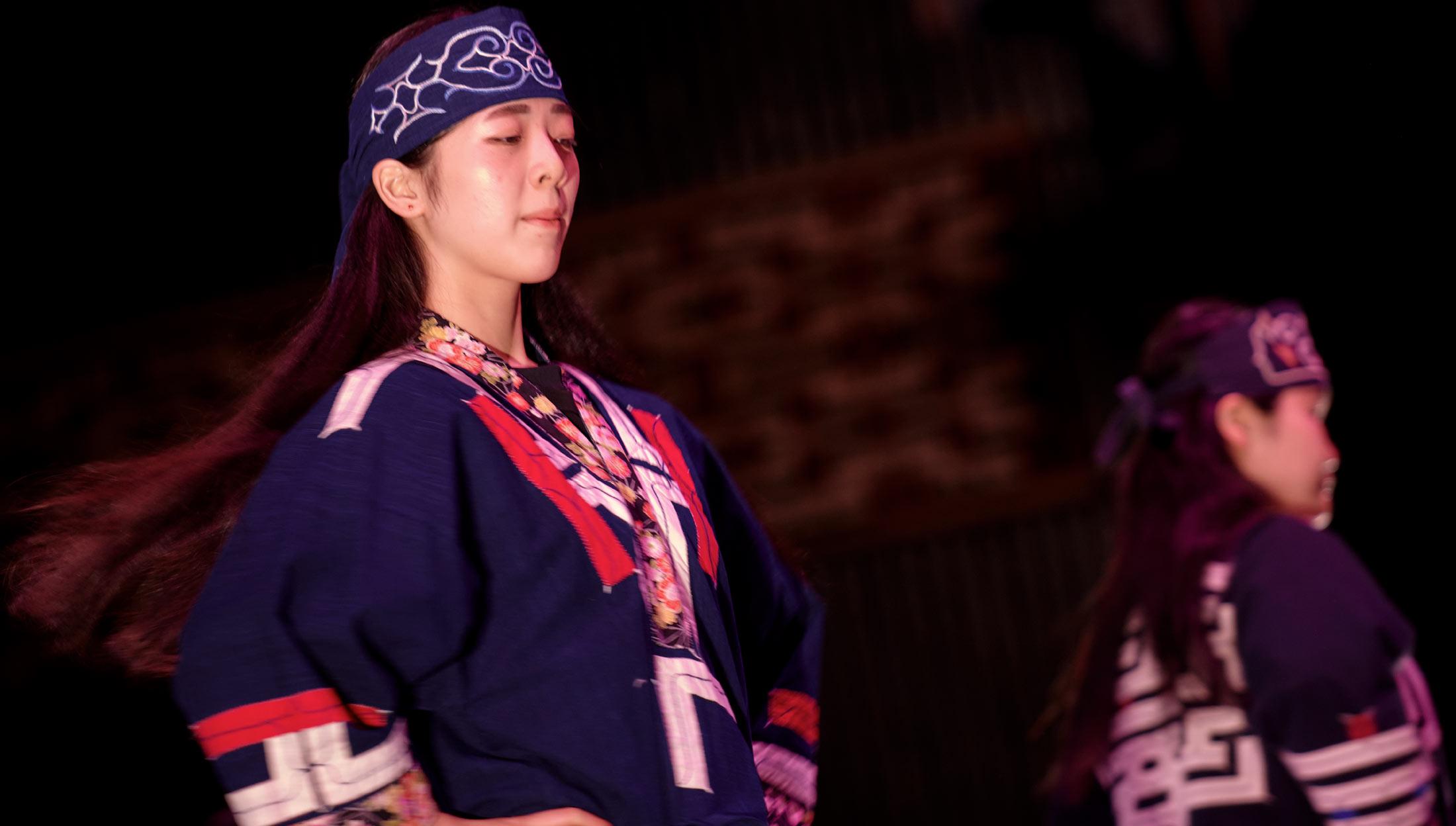 アイヌ古式舞踊 《阿寒湖アイヌシアター イコロにて上演》